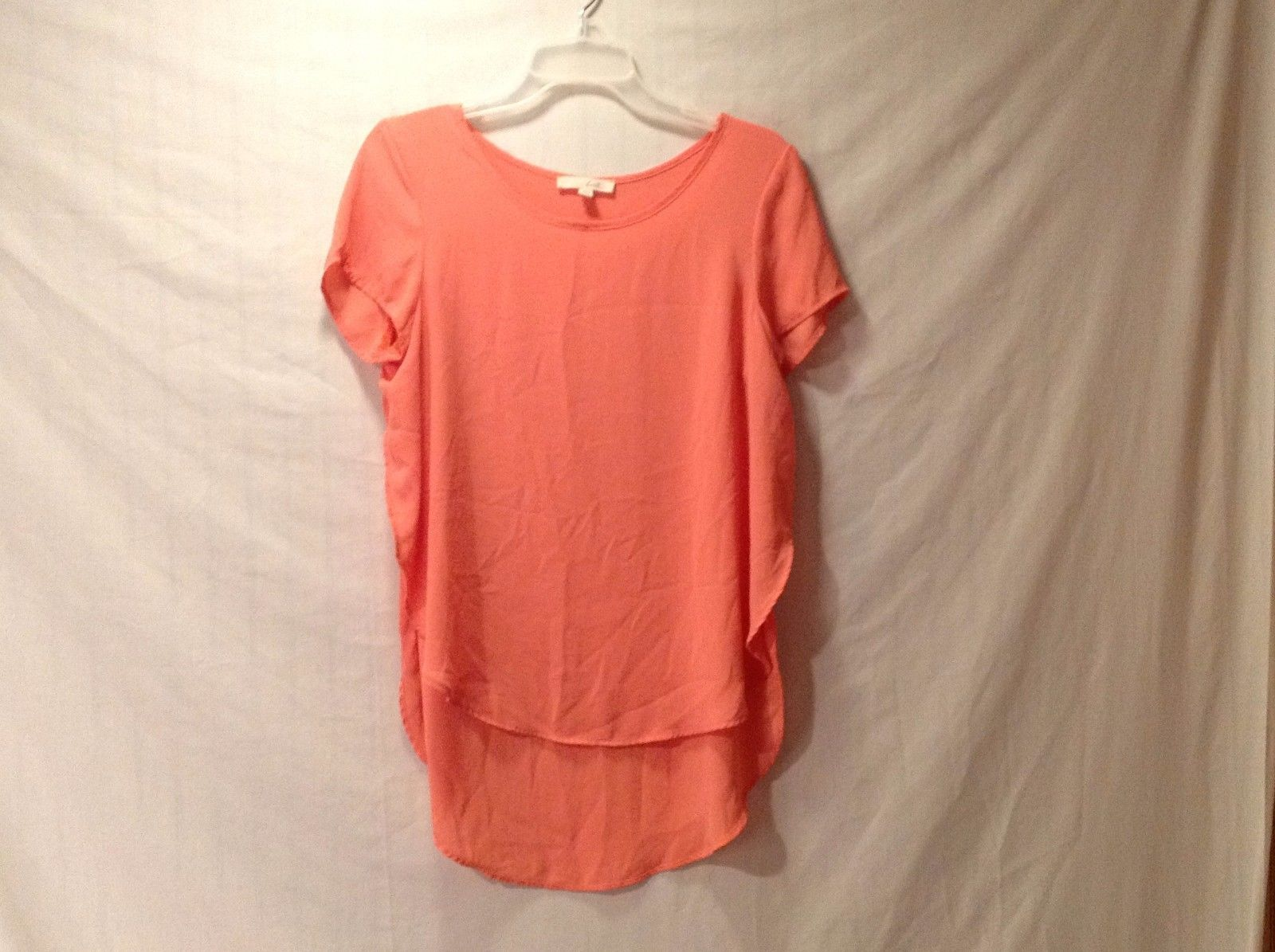 Good Condition LUSH Silky Short Sleeved High Low Shirt Size M Orange Salmon