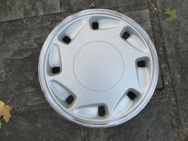 one 1989 to 1991 Eagle Premier hubcap wheel cover - $29.45