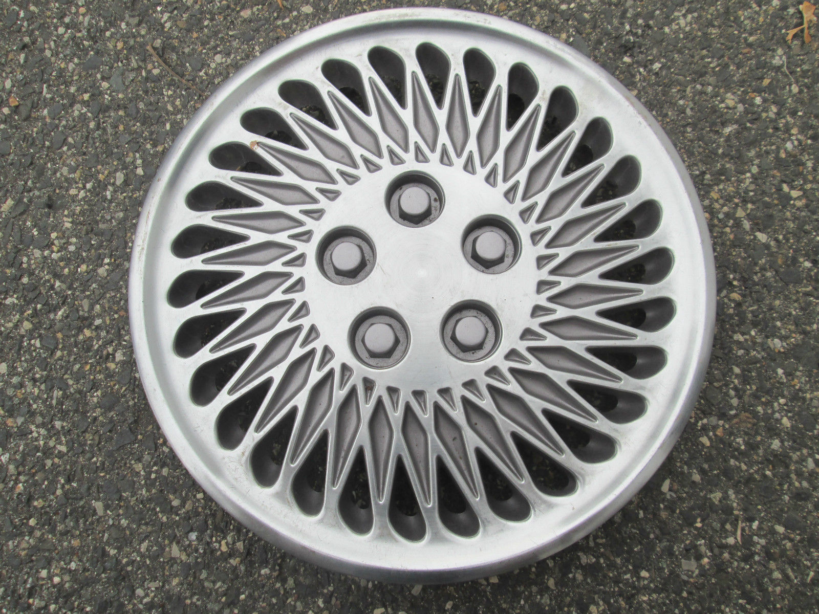 One Genuine 1993 1994 Chrysler Lebaron New And 50 Similar Items 1949 Town Country Hubcaps S L1600