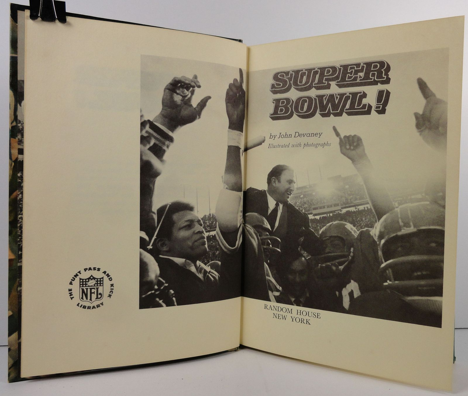 Super Bowl by John Devaney 1971 Pro Footbll Stories
