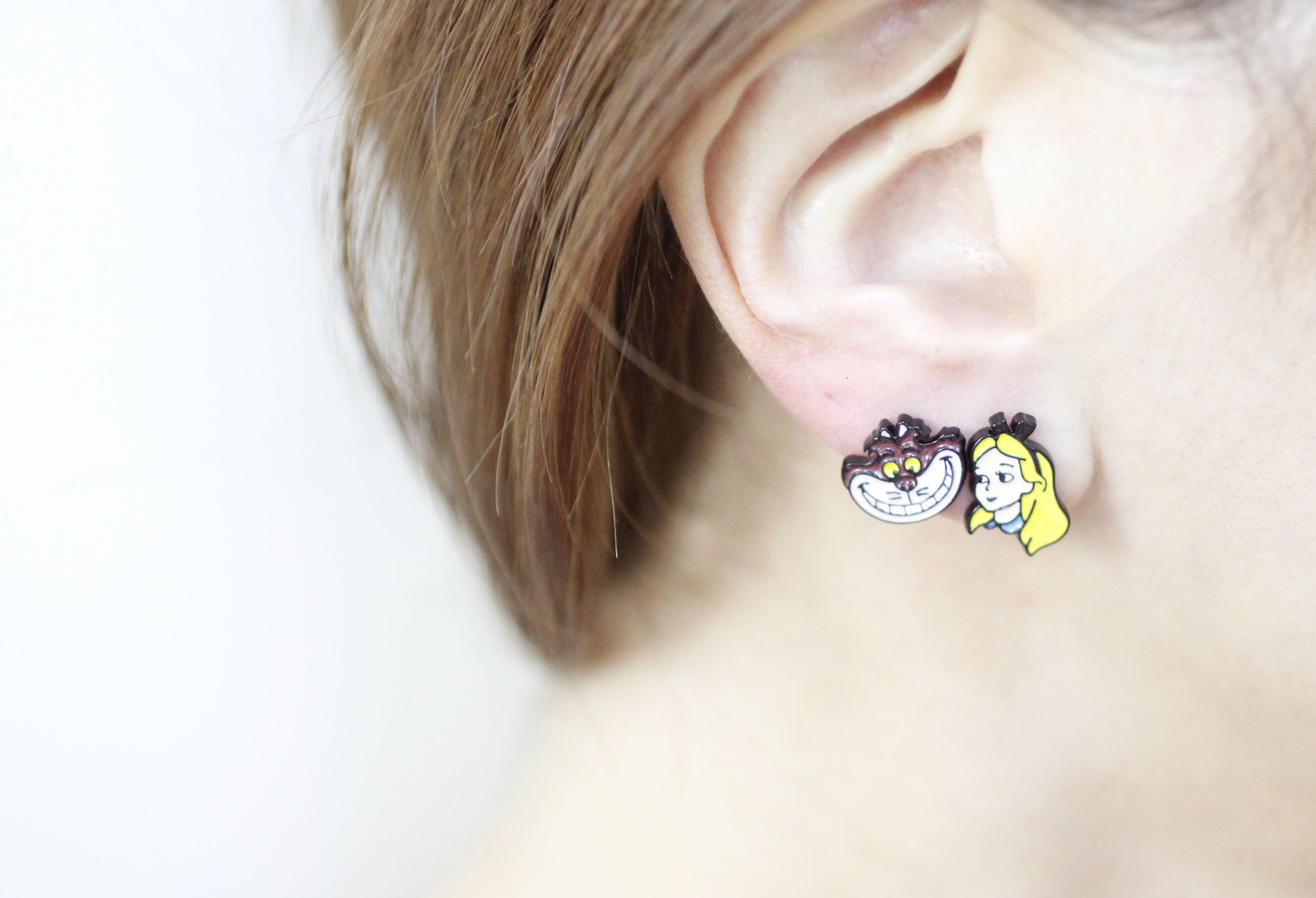DISNEY PRINCESS stud earrings, Snow White, The Little Mermaid , Alice in Wonderl