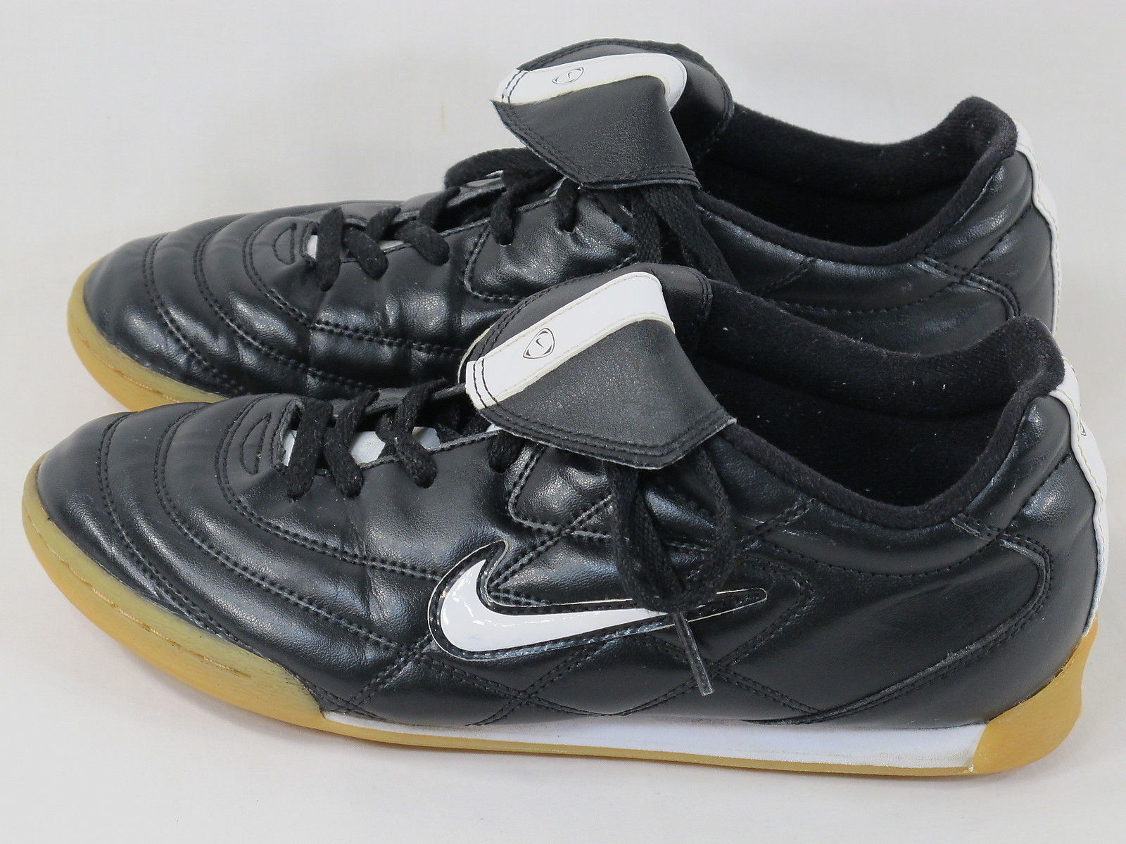 cfb1c6e2c Nike Tiempo 750 Black & White Leather Indoor Soccer Cleats Boy's Size 5 US  Shoes