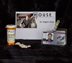 """TV SERIES HOUSE MD REPLICA PROP """"GREGORY HOUSE"""" VICODIN BOTTLE AND HOSPI... - $23.33"""