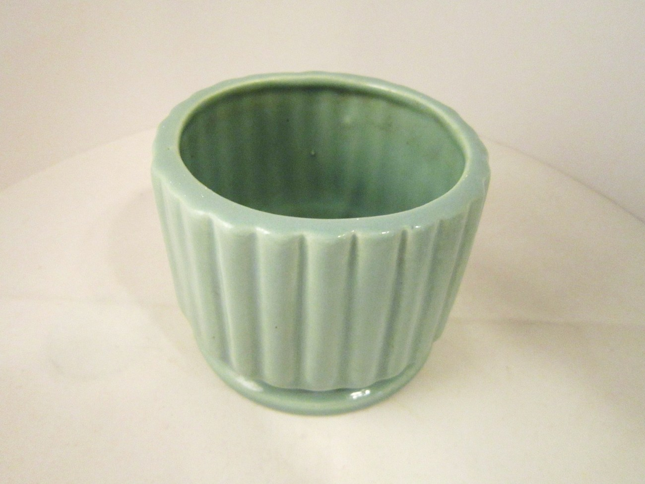 Ribbed Pottery Vase or Planter, Moss Green small Windowsill Pot