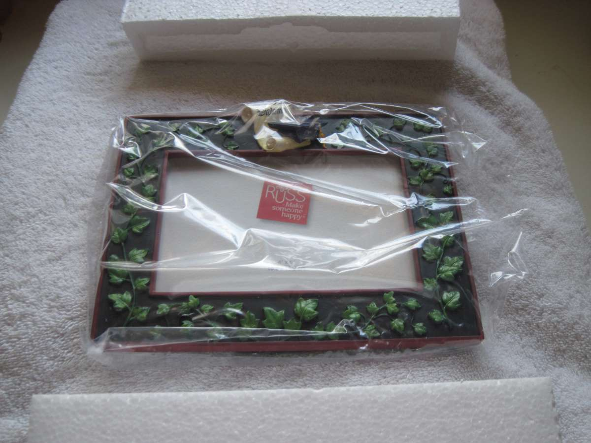"""Russ Graduation Diploma Cap Ivy Black 4x6"""" Picture Frame Brand In Box - $12.00"""