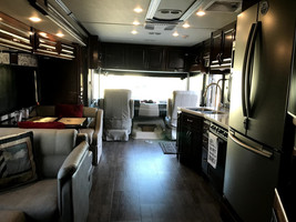 2018 Fleetwood Bounder 33C FOR SALE IN Ocala, FL 34481 image 3