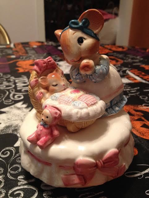 San Francisco Music Box Company Mice Cradle Wind Up Music Box Rock A Bye Baby