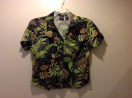 Great Condition Petite Large Nature Theme Black Button Up Patterned Shirt