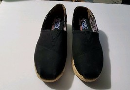 "Bobs from Skechers Memory Foam Canvas Loafers Women's Size 6 Black 2"" Heels Shoe - $50.99"