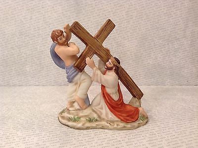 Simon Helping Jesus Bible Scene with Cross Ceramic Figurine 1989 Vintage