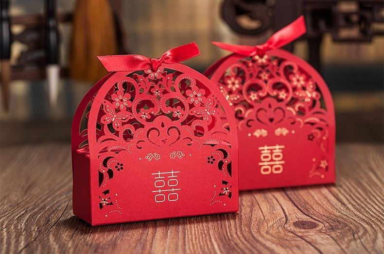Red laser cut hollow wedding favor candy boxes CB5035