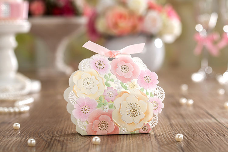 Red laser cut hollow wedding favor candy boxes CB6013