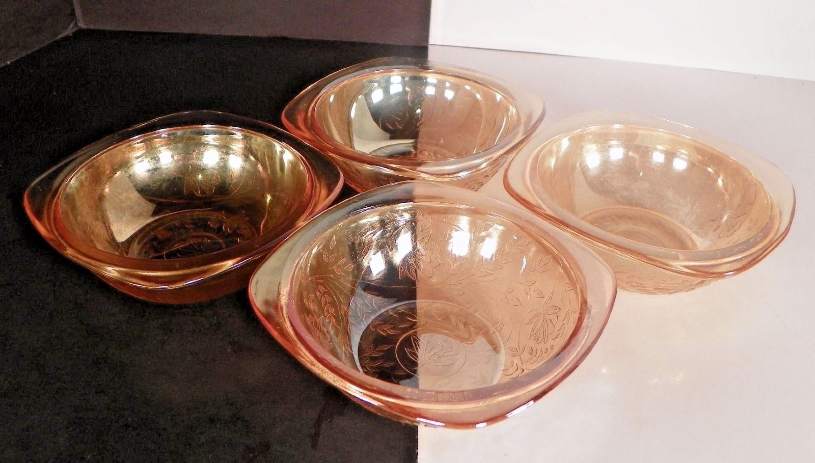 """Set Of 4 Jeannette Glass Floragold """"Louisa"""" Square Bowls - $12.00"""