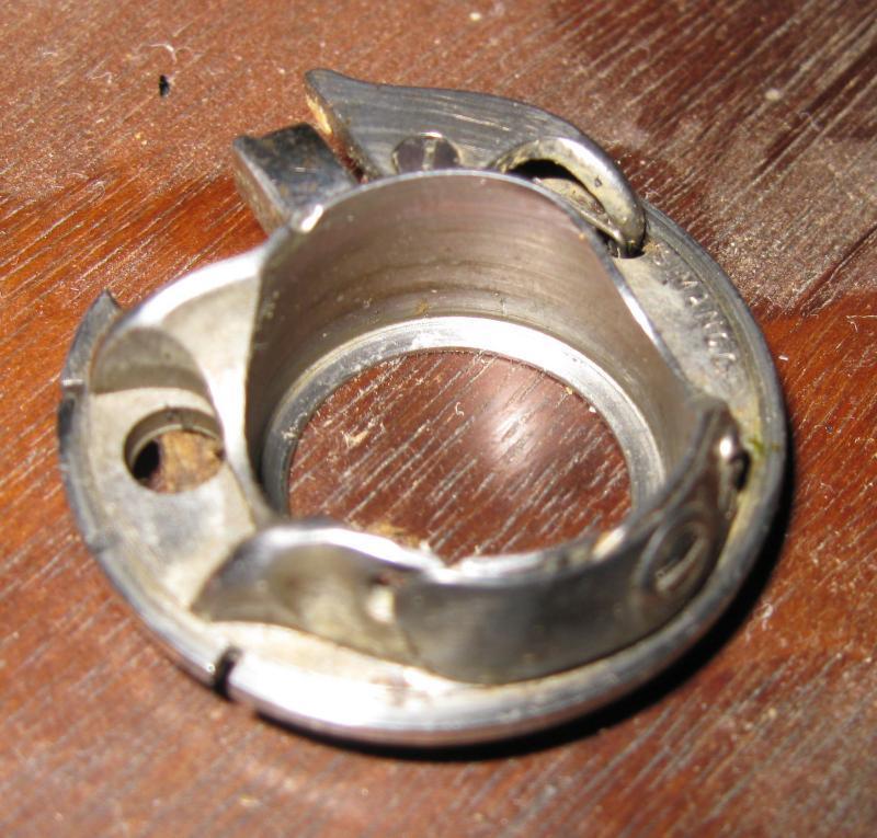 Singer 101 Rotating Hook Bobbin Case #66572 Vintage 1934