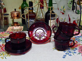 Arcoroc Classique Ruby Red Cup And Saucer Set Of Four - $18.76