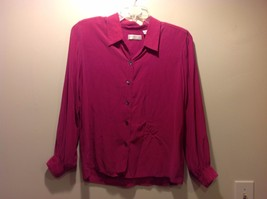 Great Condition Liz Claiborne 100% Silk Petite 12 Magenta Button Up Long Sleeved
