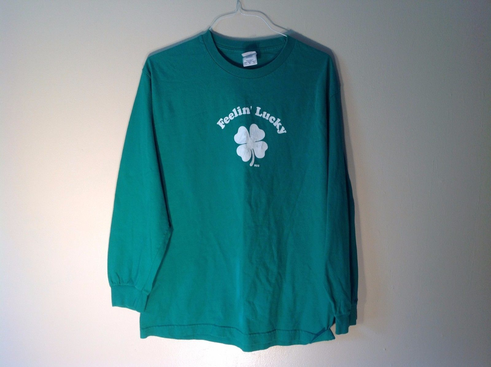 Good Condition Aistyle Apparel & Activewear Large Green T-shirt Feelin' Lucky