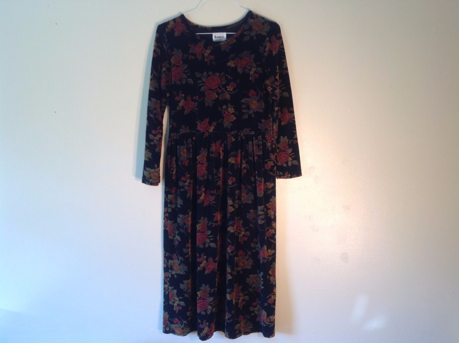 Great Condition Hanes Signature Collection Dress Size Small Black Floral Pattern