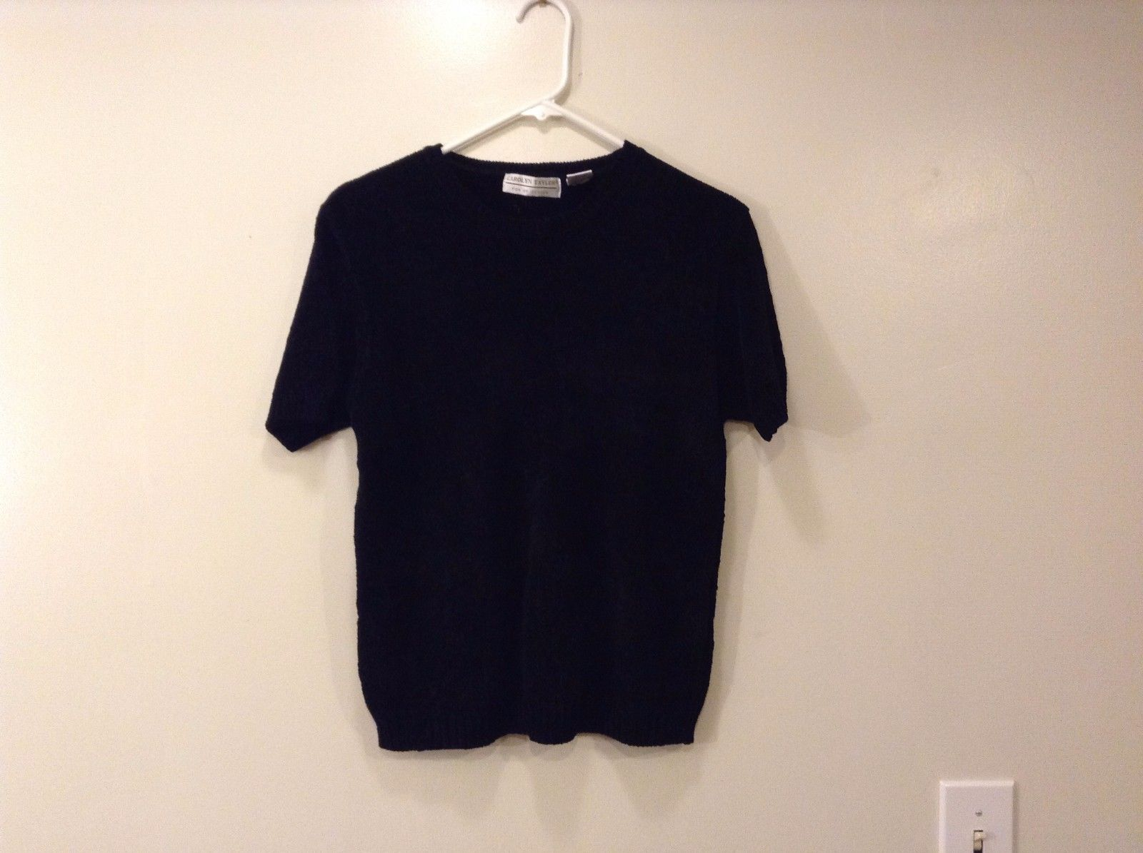 Ladies Carolyn Taylor Black Knitted Tee Sweater Short Sleeves Size M Scoop Neck