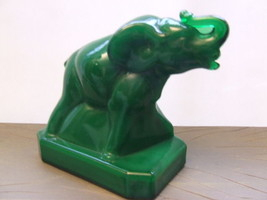 Vintage Boyd Crystal Art Glass Elephant Zack Furr Green 1st Mark Solid - $28.01