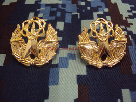 Research And Development Space And Aeronauti COLLAR PIN Military Medal i... - $3.86