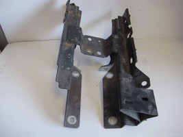 2002 JAGUAR X Type Battery Tray Mounting Unit OEM - $19.55