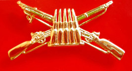 Royal Thai army of Infantry Soldier metal BADGE PIN Thailand Military - $8.91