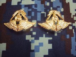 Royal Thai Air Force Donmuang Base Commander COLLAR PIN Military Medal i... - $8.91