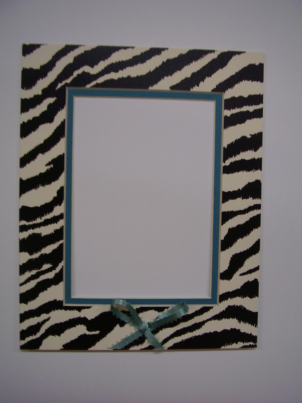 Picture Framing Mat 8x10 for 5x7 photo Zebra Stripe Black White with turquoise b