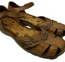 Womens 9M Bare Traps Riggins Fisherman Sandals brown Leather (bo) - $23.76