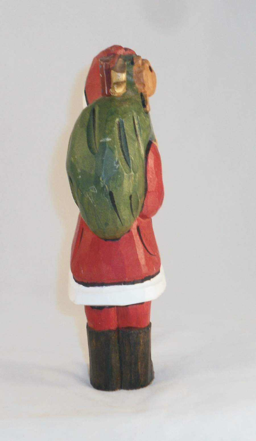 Hand Carved & Painted Wood Folk Art Santa Figure Earl Houck Gordonville, PA