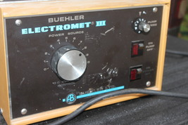 BUEHLER ELECTROMET III POLISHER POWER SUPPLY POWERS ON- AS PICTURED (v) ... - $489.00