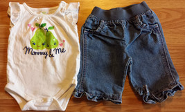 """Girl's Size NB Newborn Two Piece White """"Mommy & Me"""" Pear Designed Top & ... - $16.00"""