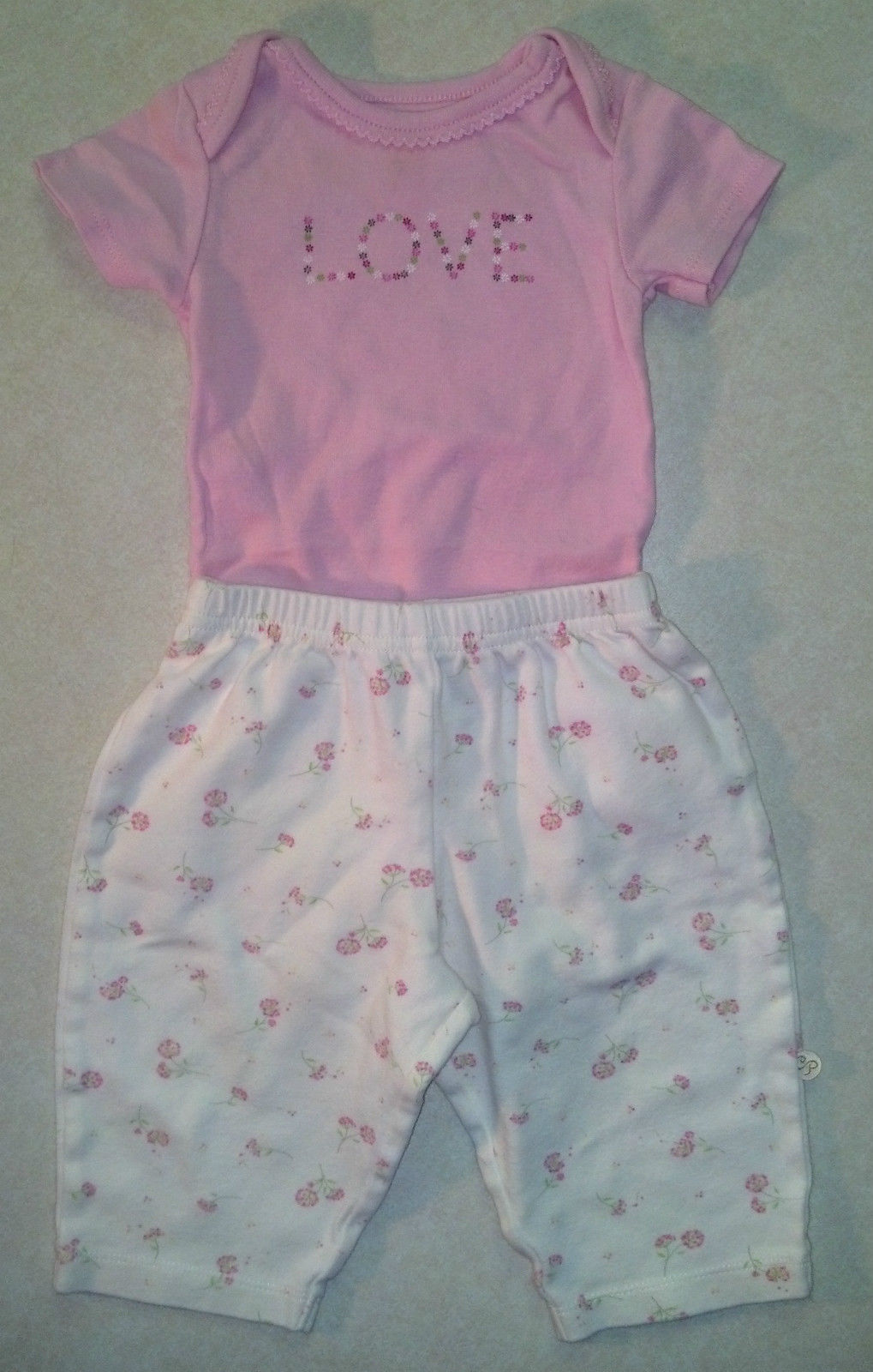 Girl's Sz 6 M Month 2 Piece Outfit Carter's Pink Love Top & Cream Floral Pants