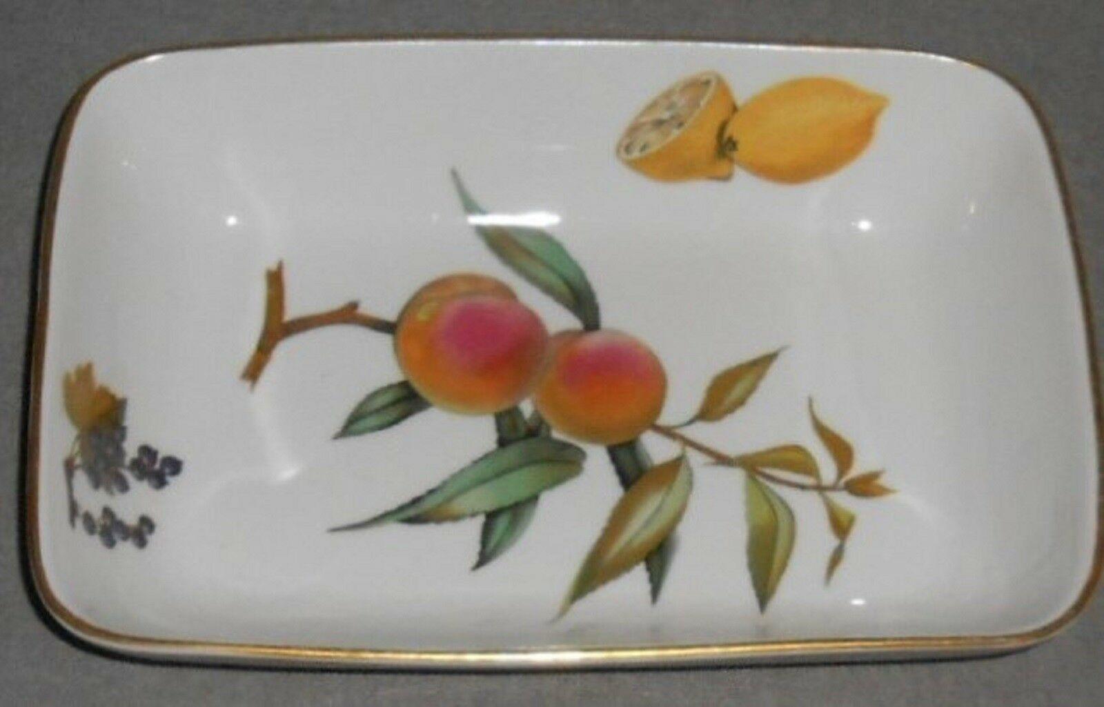 Royal Worcester EVESHAM GOLD PATTERN Rectangular Baking Dish MADE IN ENGLAND