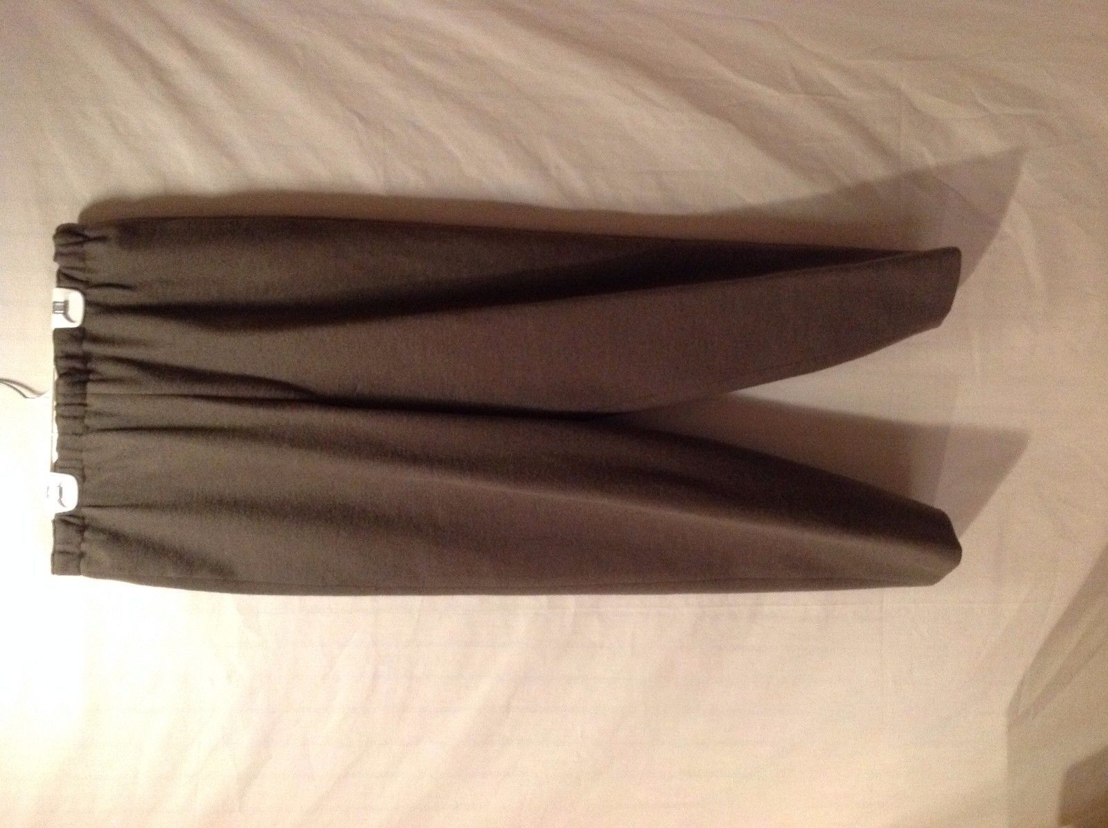 Preowned Excellent Condition Annie Walwyn-Jones Woolen Large Pants Olive Green