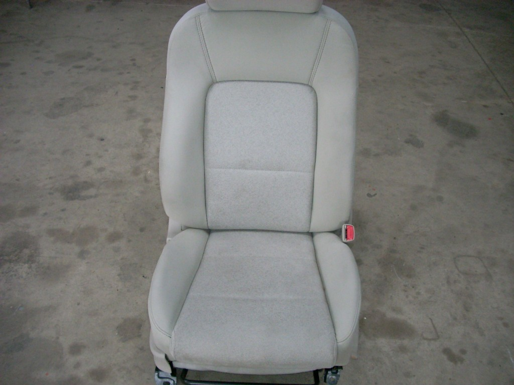 2009 SUBARU LEGACY FRONT RIGHT SEAT, GRAY WITH PATTERN, MANUAL WITH BAG
