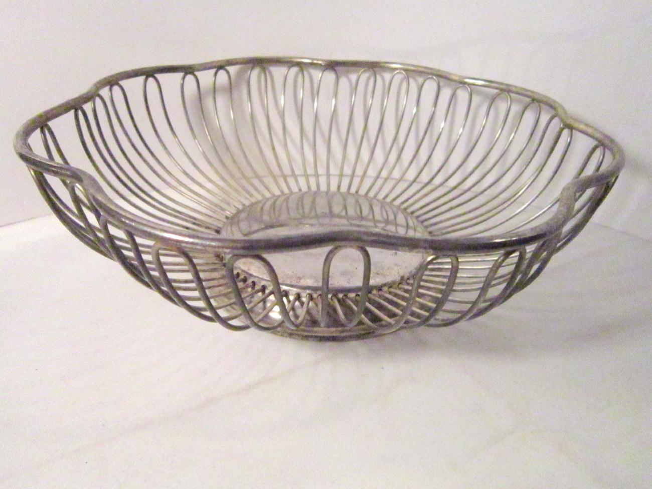Silverplate Wire Bowl Centerpiece, Bread Basket Vintage Scalloped Rim