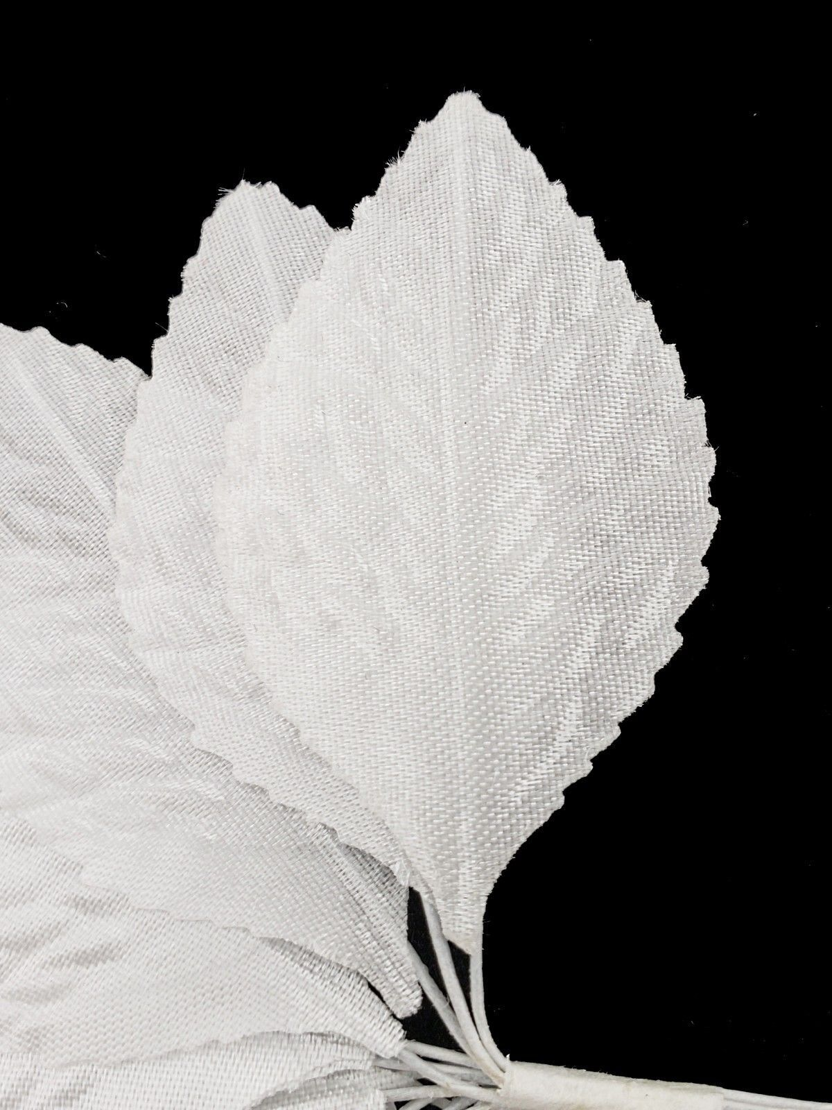 144 White Nylon Silk Leaves in Bunch Favor Decoration
