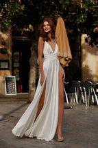 Spaghetti Straps Beach Chiffon V-neck Double High Split Wedding Gown image 4