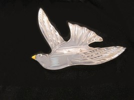 Vintage 1930s-1940s Lucite Brooch Dove in flight molded incised appx 3.7... - $89.99