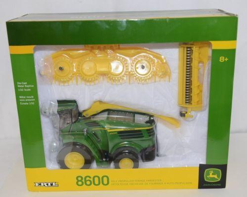 John Deere LP53352 Die Cast Metal Replica 8600 Self Propelled Forage Harvester