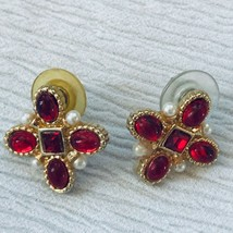 Estate Red Jelly Cabs & Tiny Faux White Pearls Goldtone Maltese Cross Po... - $12.19
