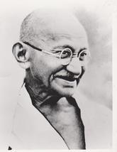 Mahatma Gandhi Spiritual Leader India Vintage 5X7 BW Memorabilia Photo - $3.95