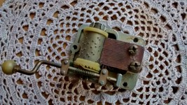 Hurdy Gurdy Music Box Movement Plays Puff The M... - $12.00