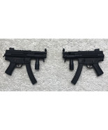 Resident Evil Alice 2 Machine Guns MMS 139 1/6th Scale - Hot Toys 2010 - $19.34