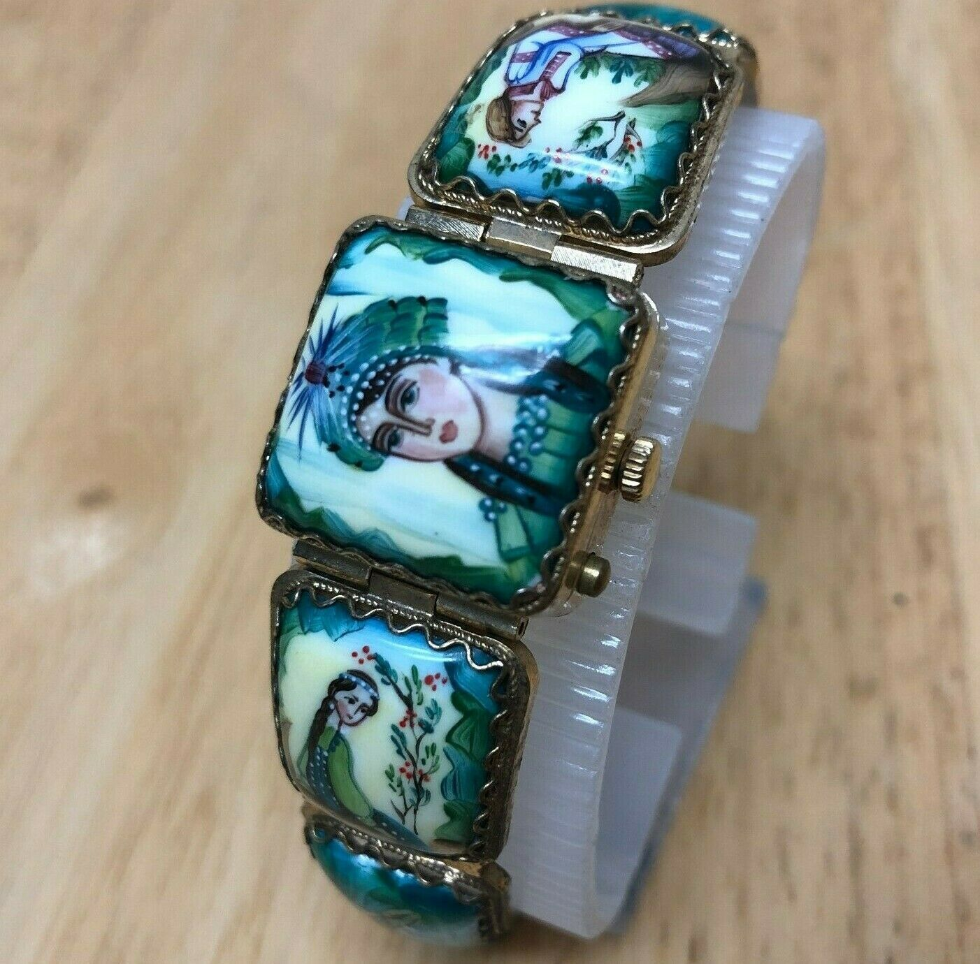 Vintage Yanka Russia Lady Enamel Art Painting Hand-Winding Mechanical Watch Hour