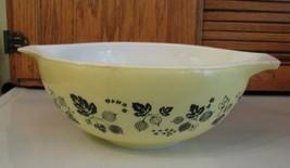 Vintage Pyrex Gooseberry Cinderella Mixing Bowl 444 Yellow w Black 4 Qua... - $32.66