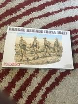 Dragon Plastic Model Kit Ramcke Brigade Libya 1942 Figures WWII  1/35 Un... - $20.05