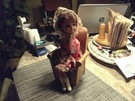 14#G  Vintage LITTLE GIRL IN A CHAIR, REVOLVING MUSIC BOX Works Great! - $18.80